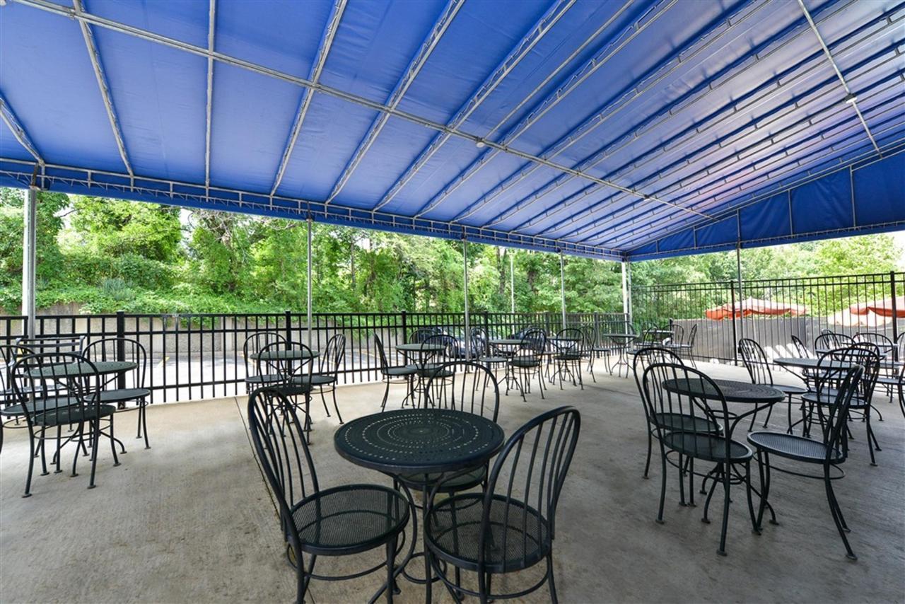 patio-3-1.jpg.1024x0.jpg