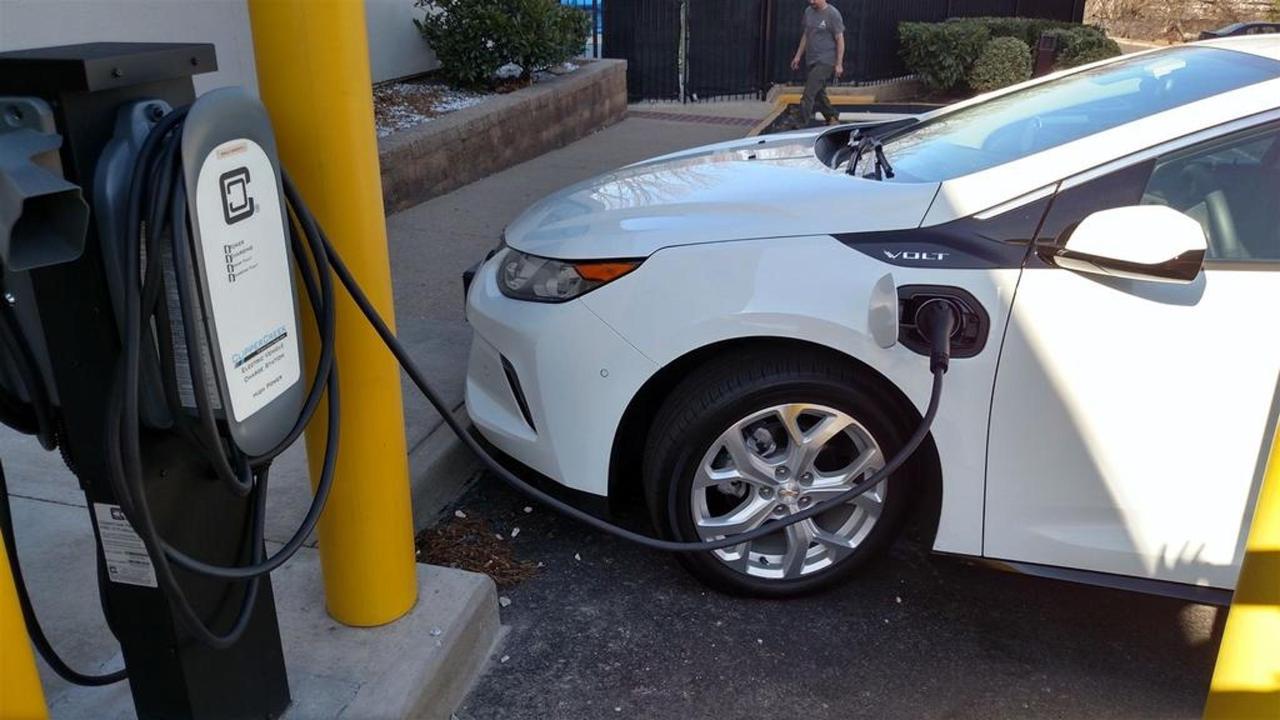 汽车充电站1.jpg.1024x0.jpg