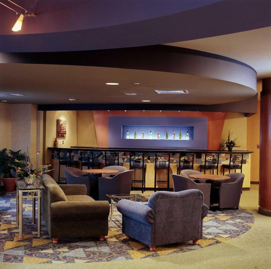 fireside-lobby-lounge.jpg.1920x0.jpg
