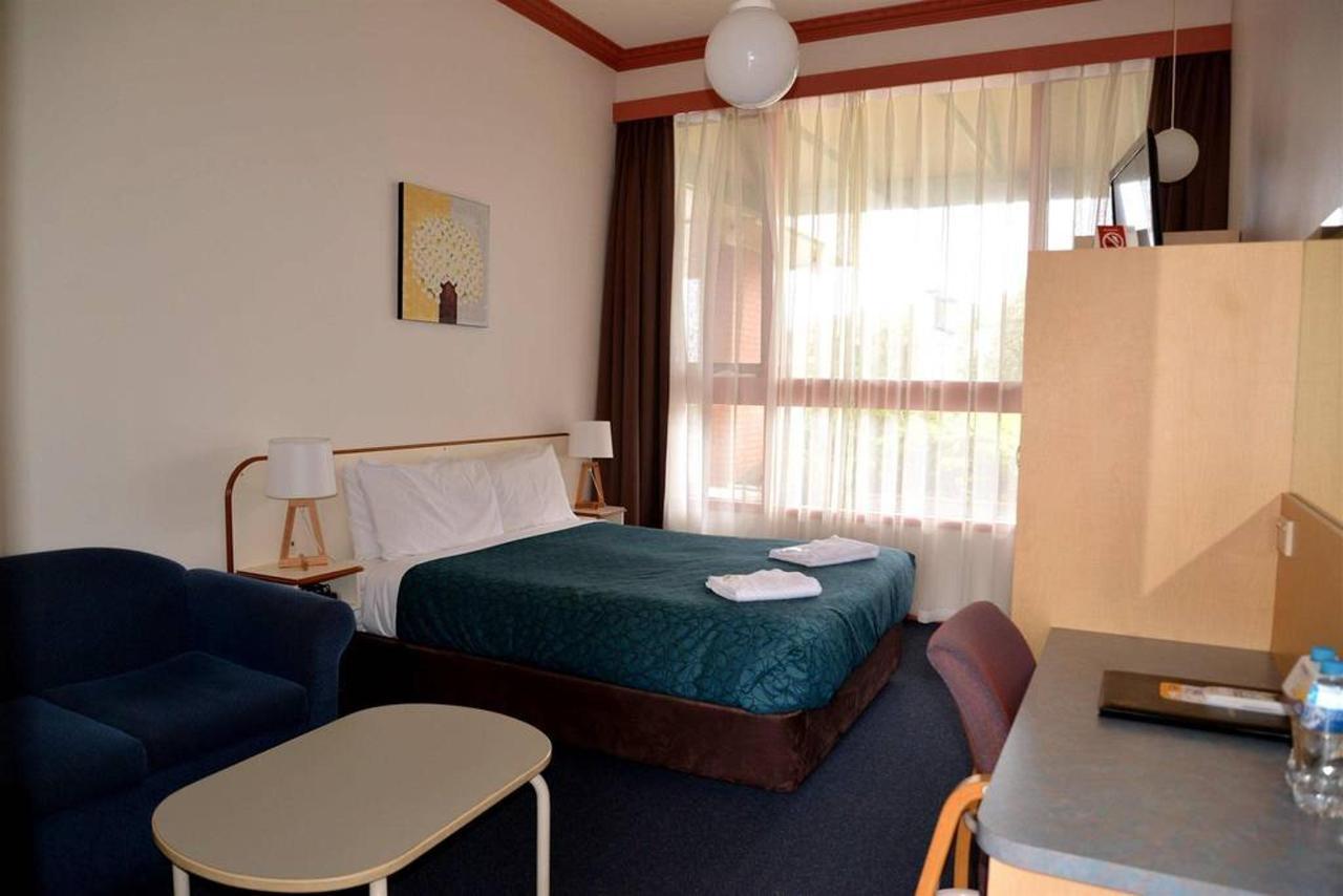 nq1-front-room-bed-room.jpg.1024x0.jpg