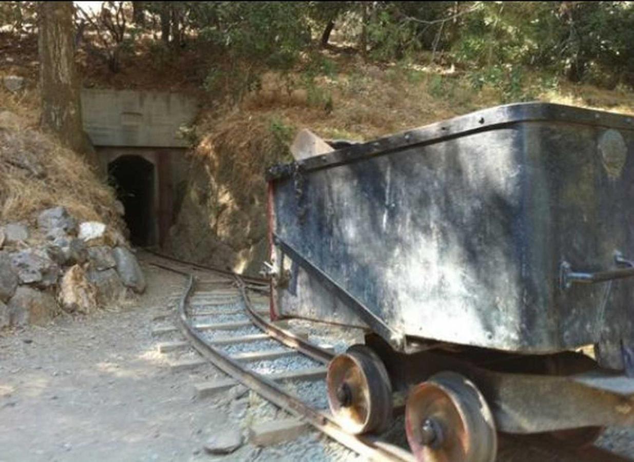 mines-2.jpg.1920x0.jpg