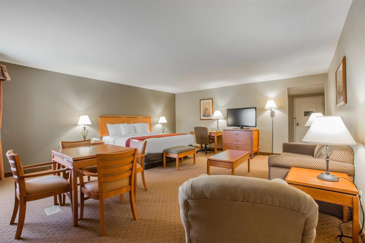HospitalitySuite 1.jpg