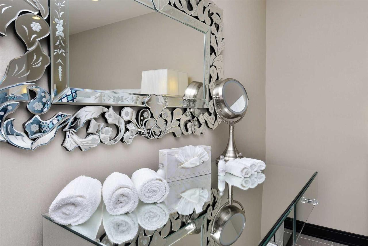 Sapphire Suite Vanity