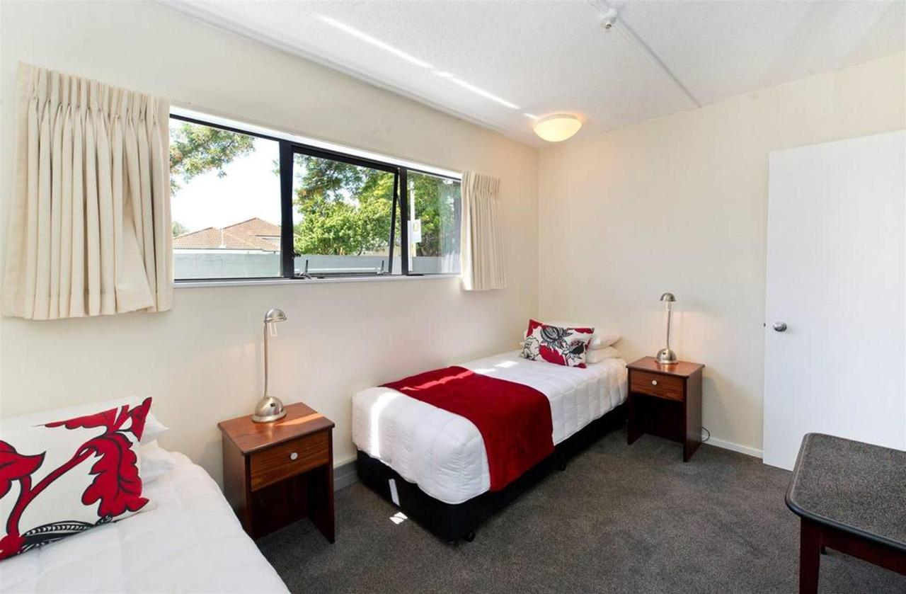 2-bedroom-balcony-2nd-bedroom.jpg.1024x0.jpg