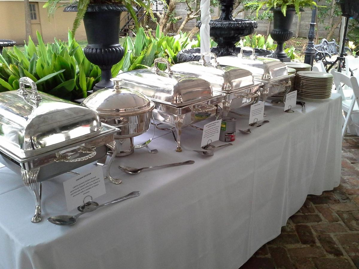 courtyard-buffet-line.jpg