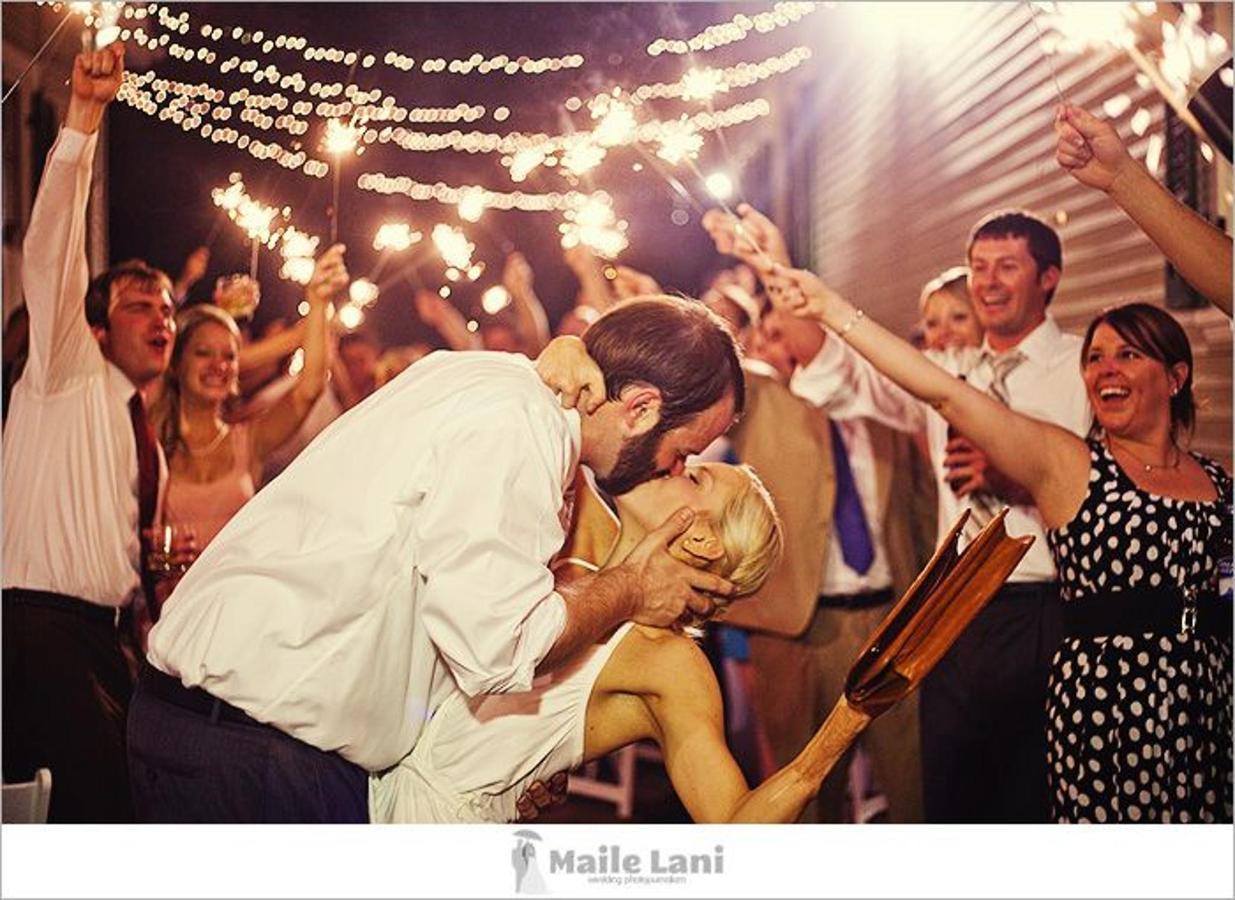 kissing-under-lights.jpg