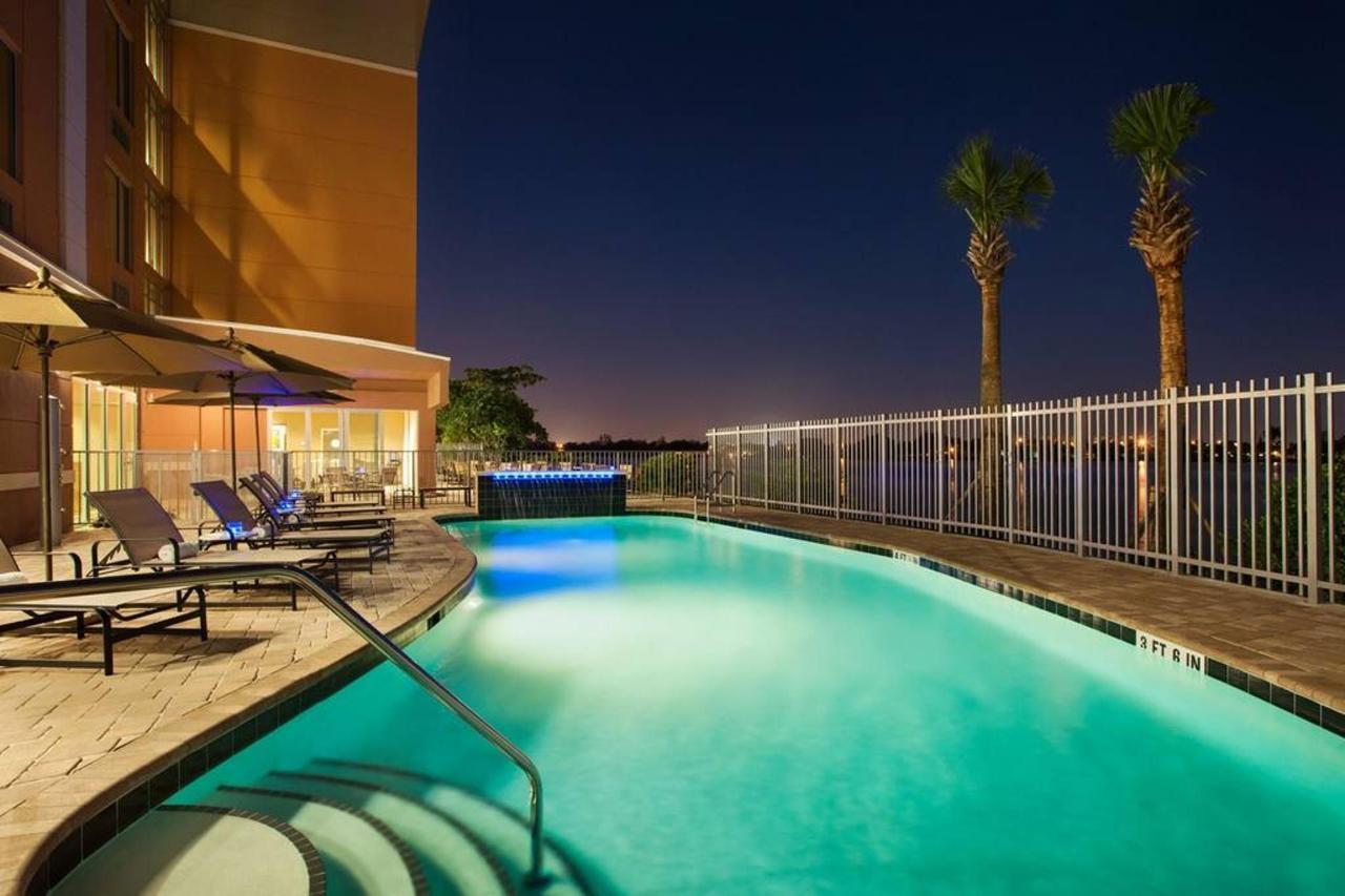 pool-919377.jpg.1024x0.jpg