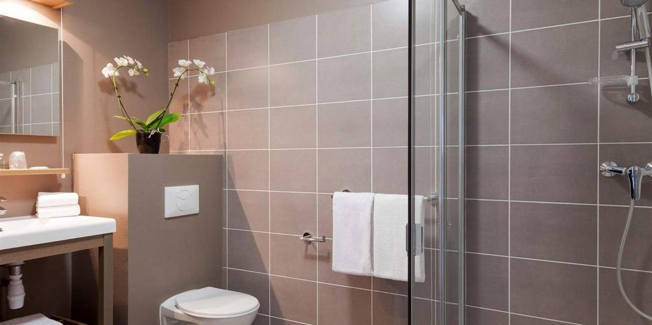 chambre-triple-salle-de-bain-3.jpg.1236x617_default.jpg
