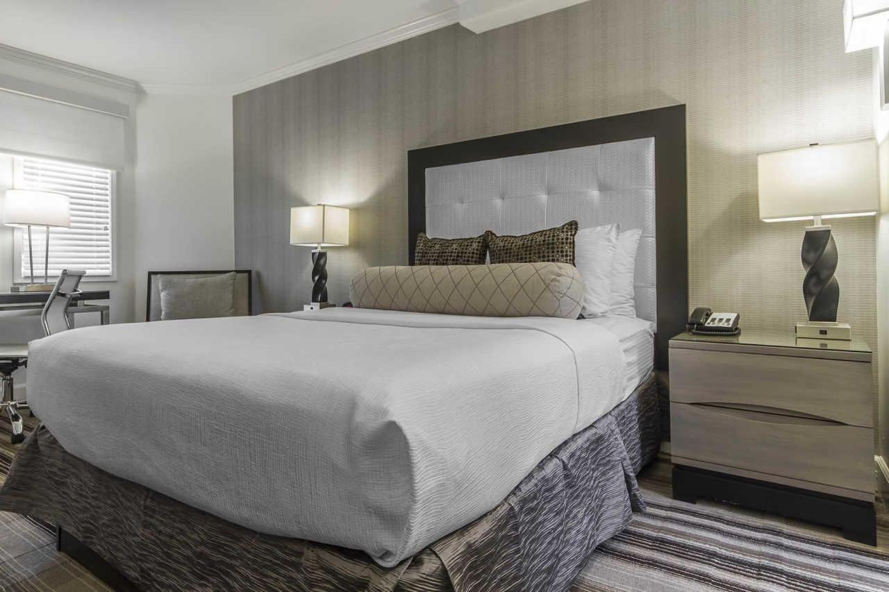 1-queen-bed-4.jpg
