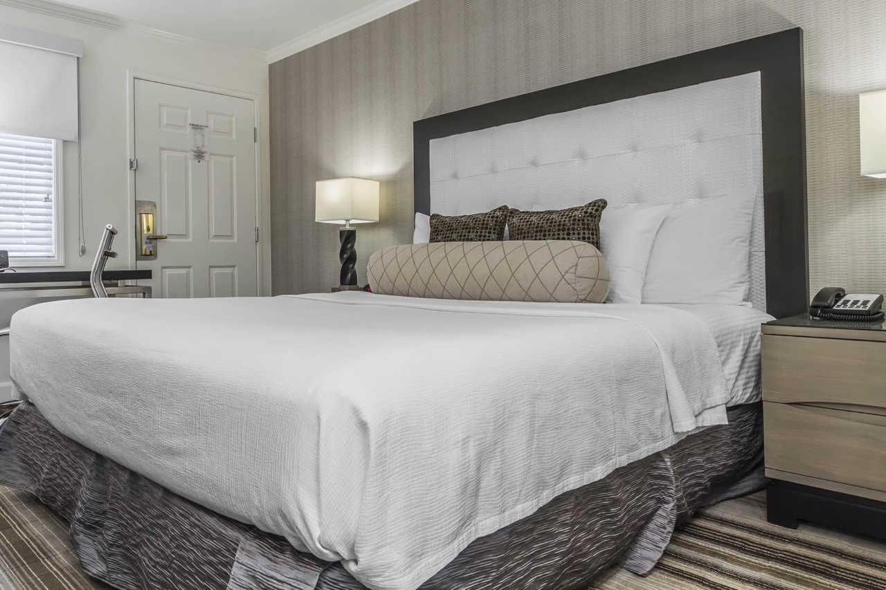 1-king-bed-2-1.jpg