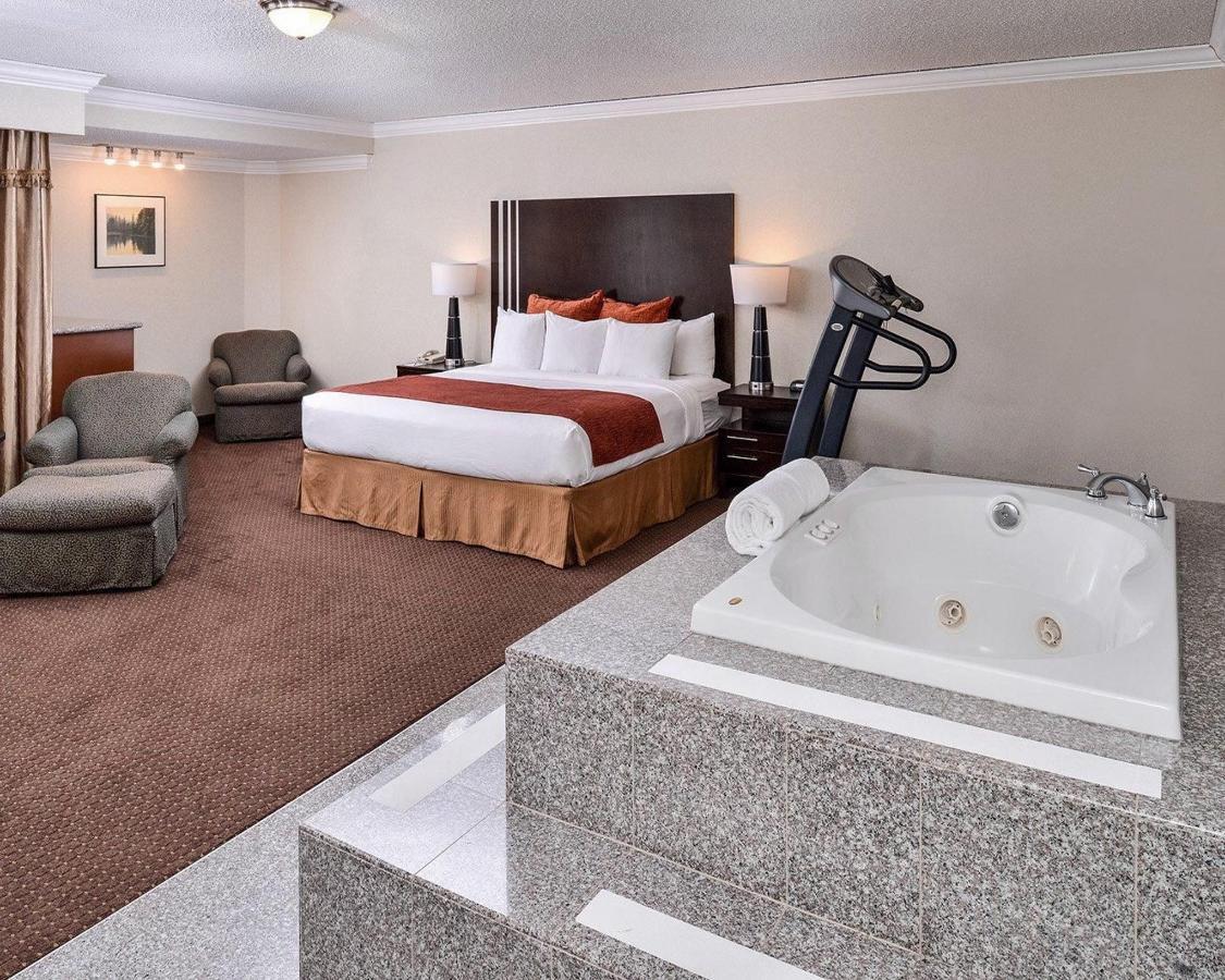 standardroomsbedroom12.JPG
