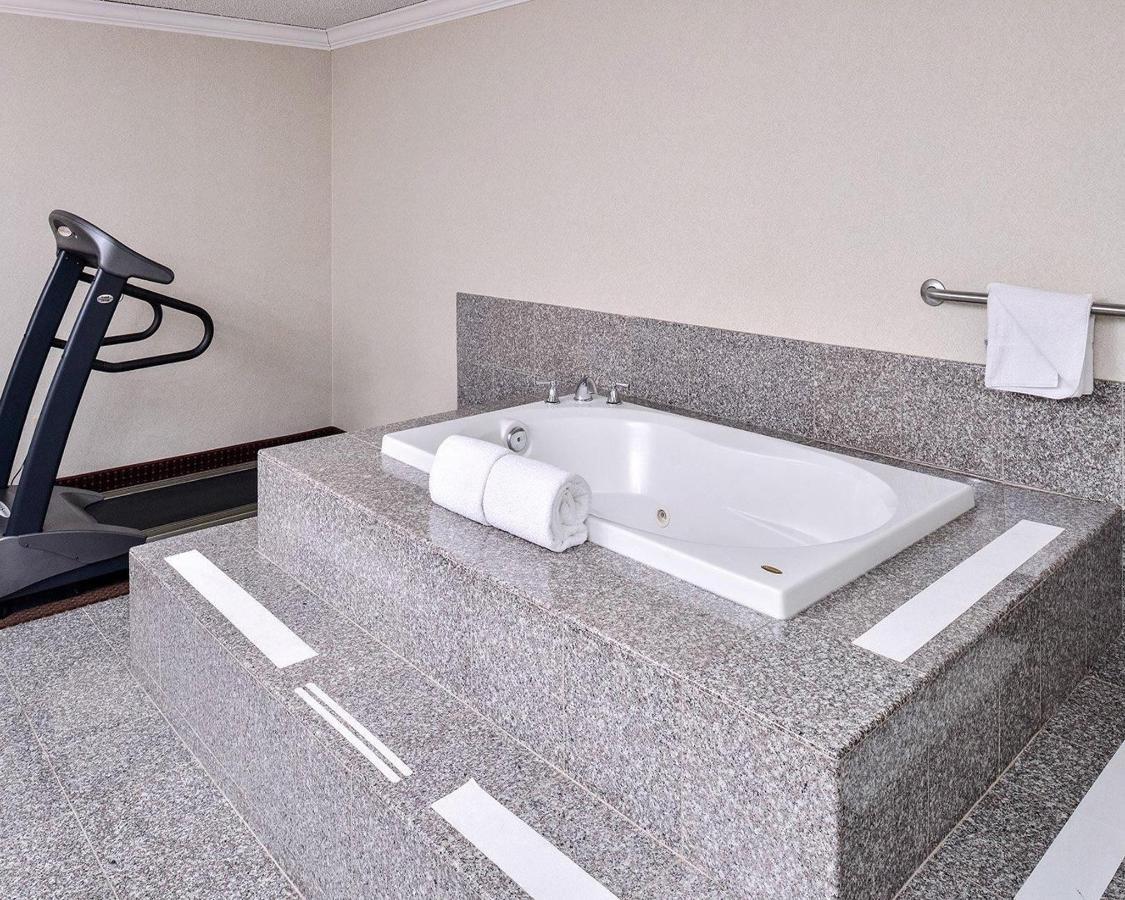 standardroomsbedroom13.JPG