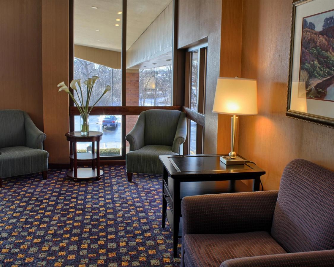 2nd-floor-lobby.jpg.1920x0.jpg