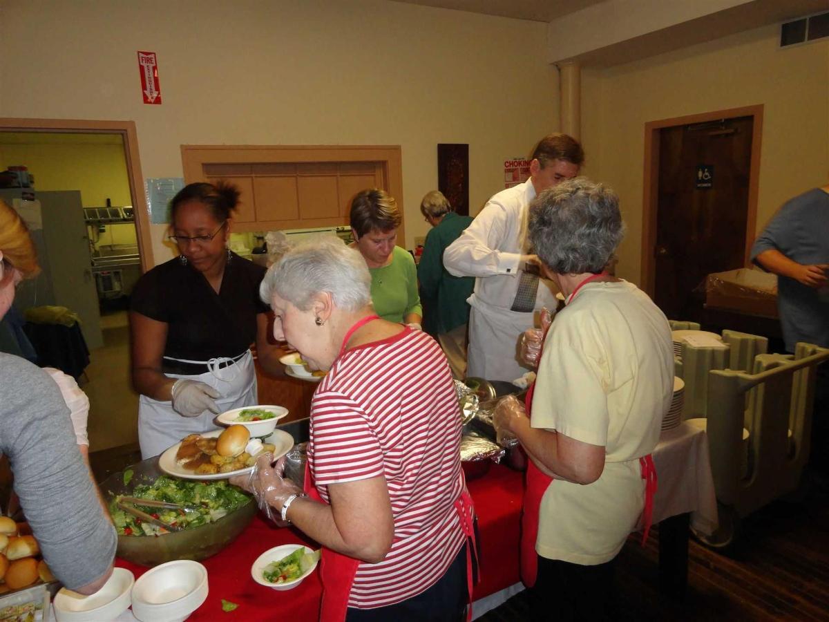 albany-friendship-table-2011-4-ger-wanda-colin.JPG.1920x0.jpg