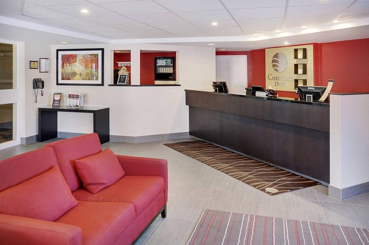 02-lobby.jpg.1080x0.jpg