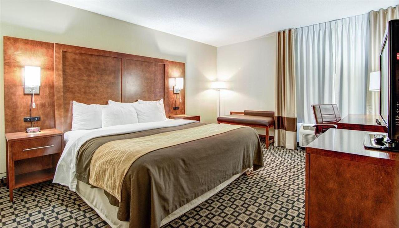 Rooms 17.jpg