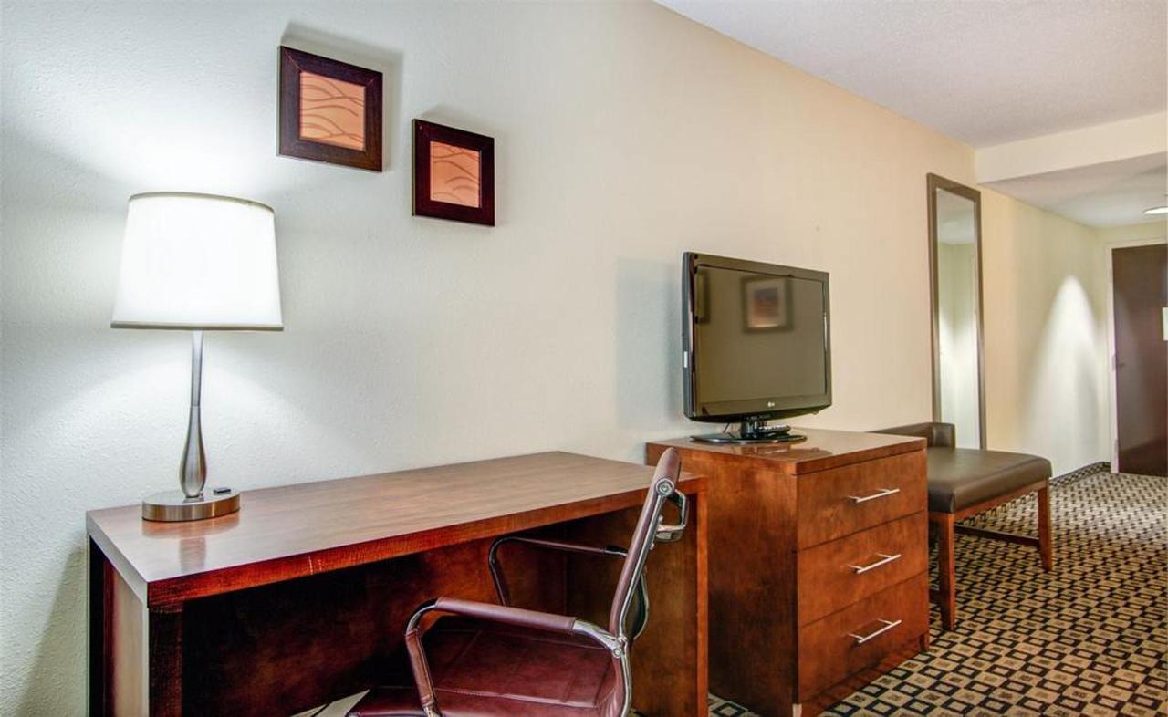Rooms 11.jpg