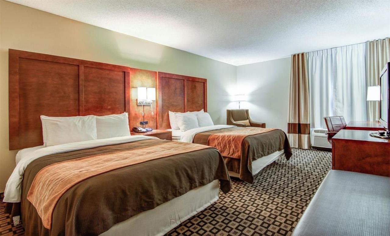 Rooms 10.jpg