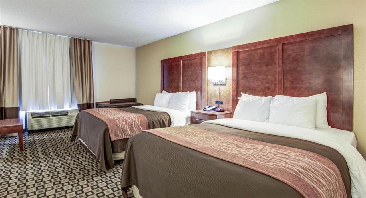 Rooms 7.jpg