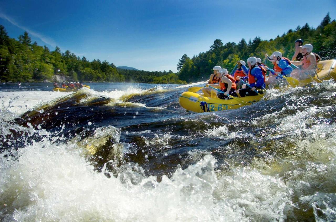 whitewater-rafting.jpg.1920x0.jpg