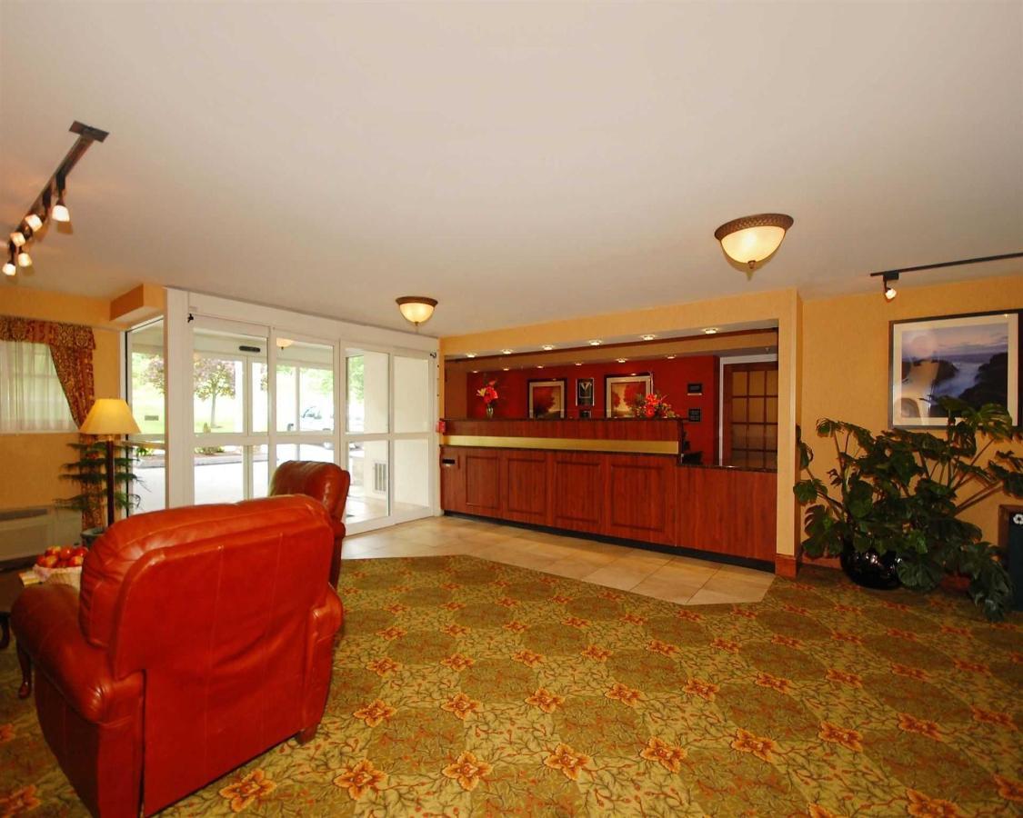 me011-lobby11.jpg.1920x0.jpg