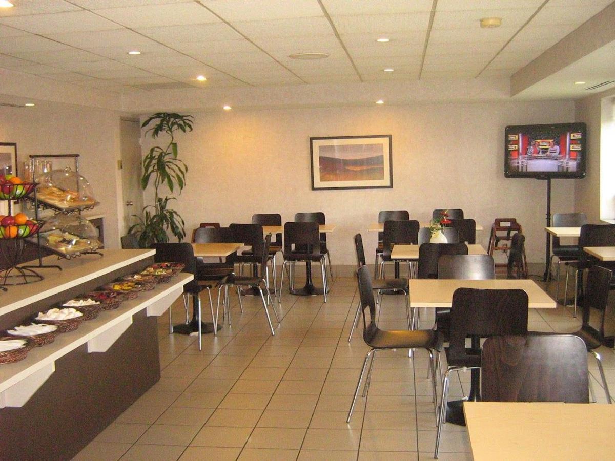 quality-suites-laval-6.jpg