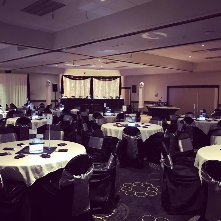 ballroom2-1.jpg