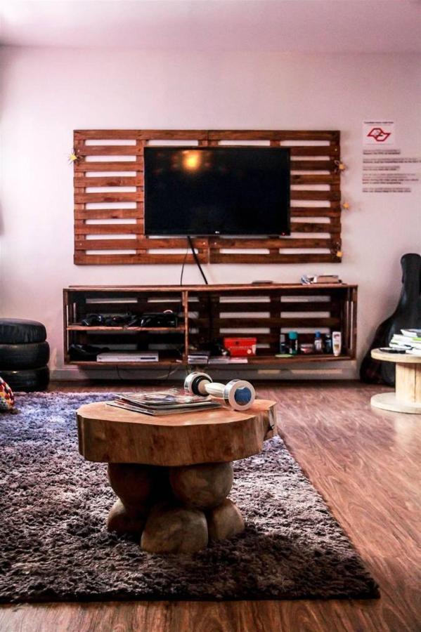 Zimmer-tv.jpg.1024x0.jpg