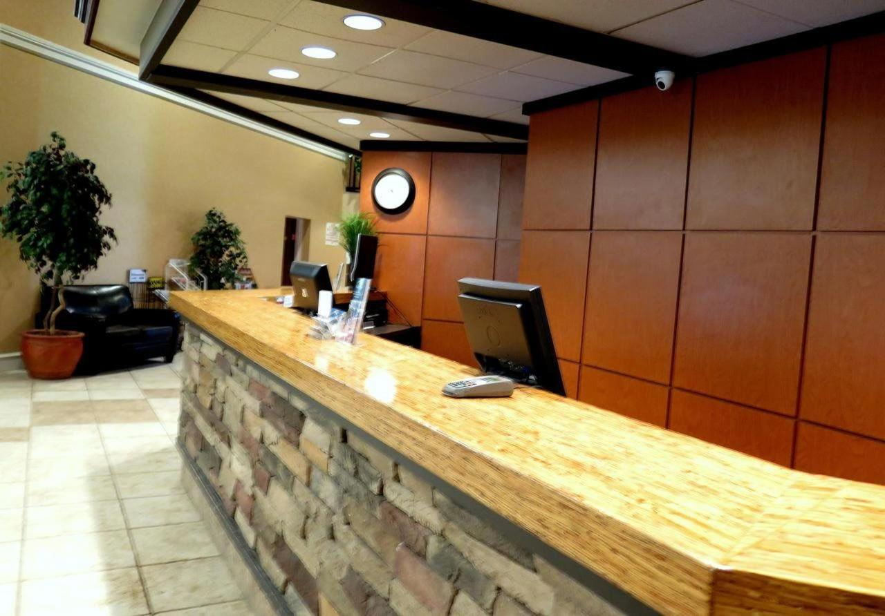 Reception Desk.jpg