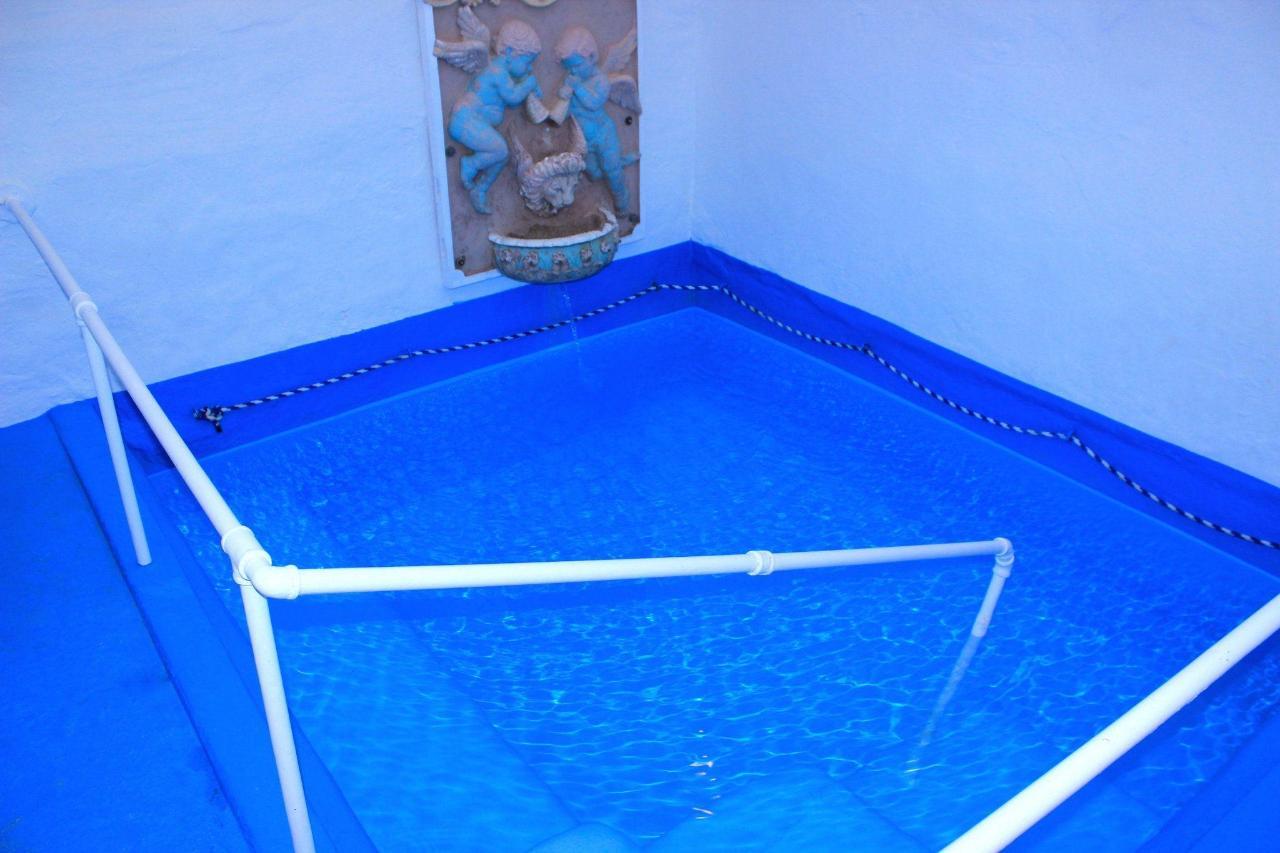1-pool.jpg