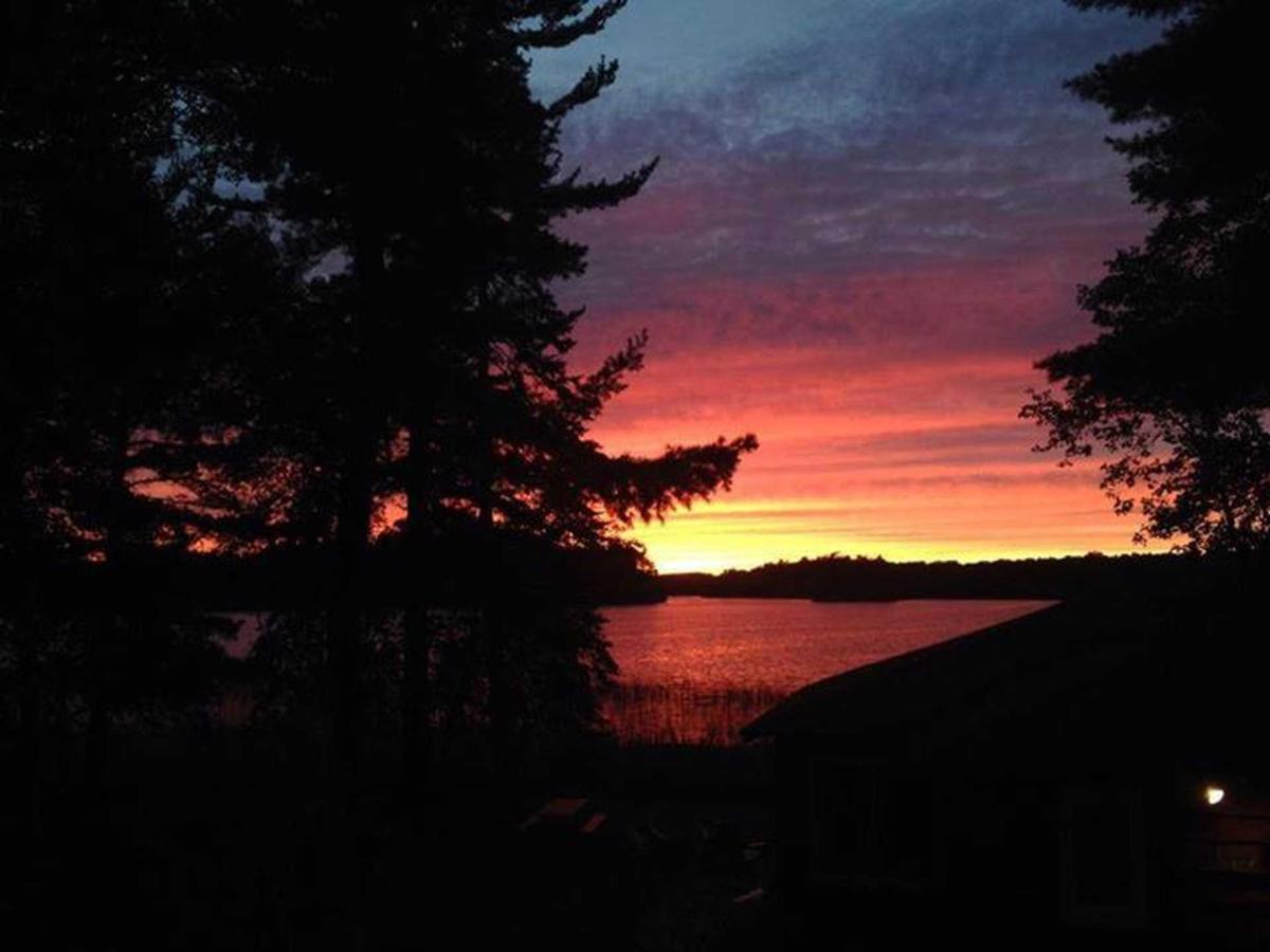sunset-sillhouette.jpg.1920x0.jpg