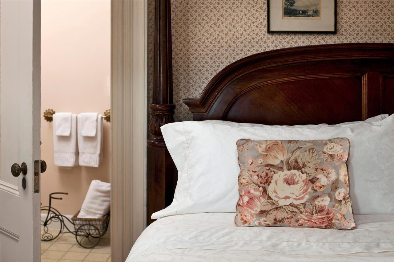 guestroom-kensington-4-copy1.jpg.1920x0.jpg