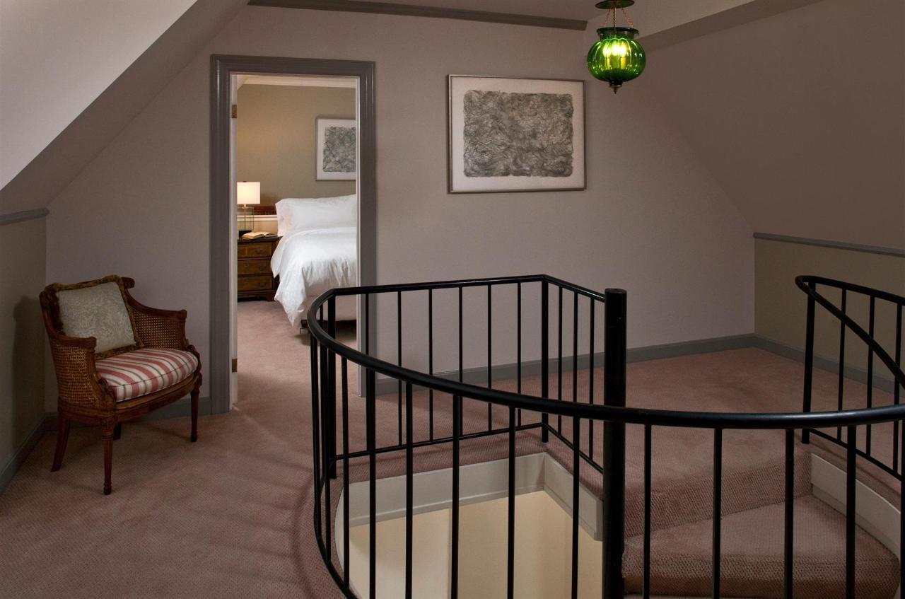 guestroom-penthouse-suite-5-2684686911-o1.jpg.1920x0.jpg