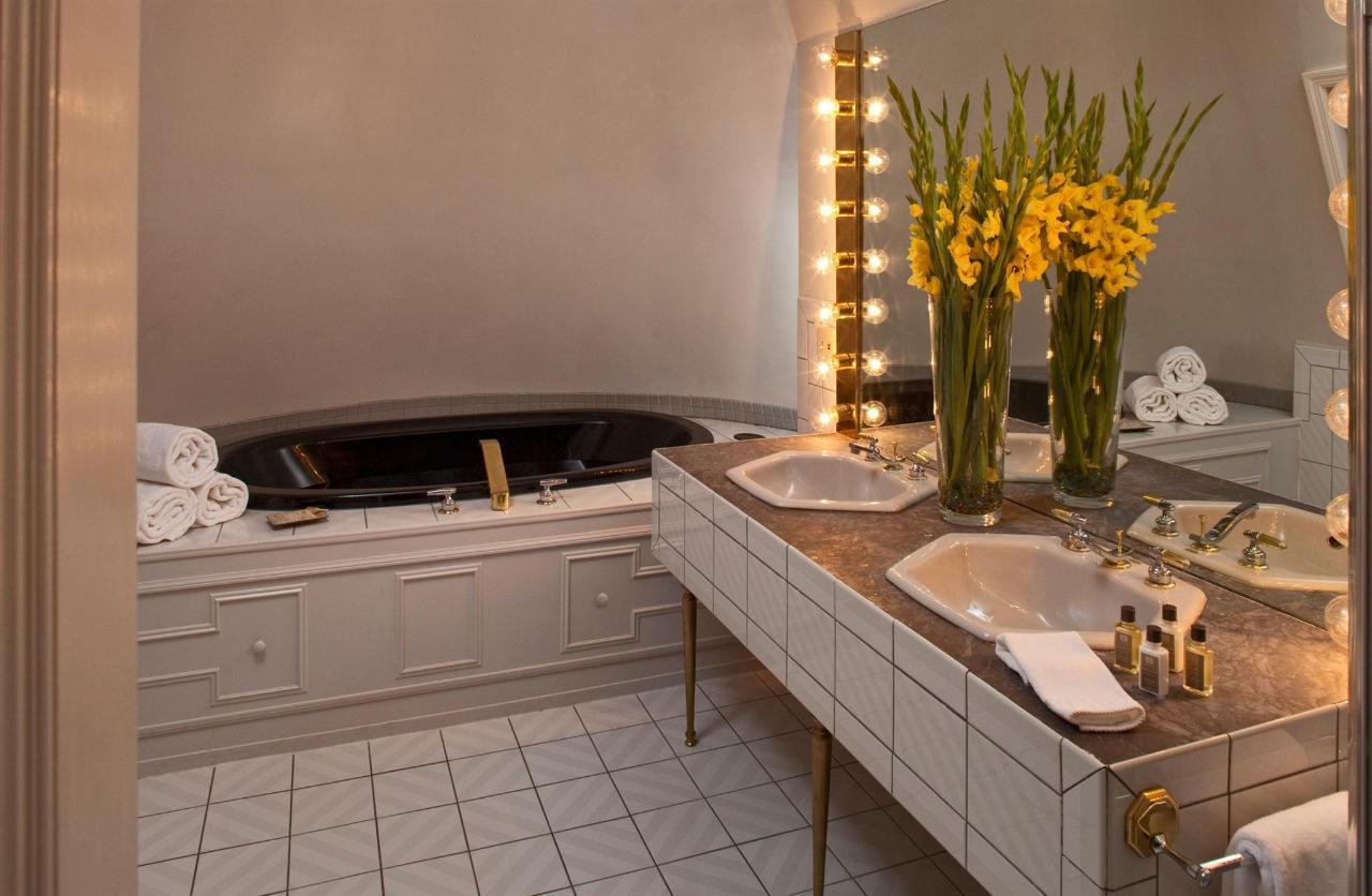 guestroom-penthouse-suite-11-2684687344-o1.jpg.1920x0.jpg
