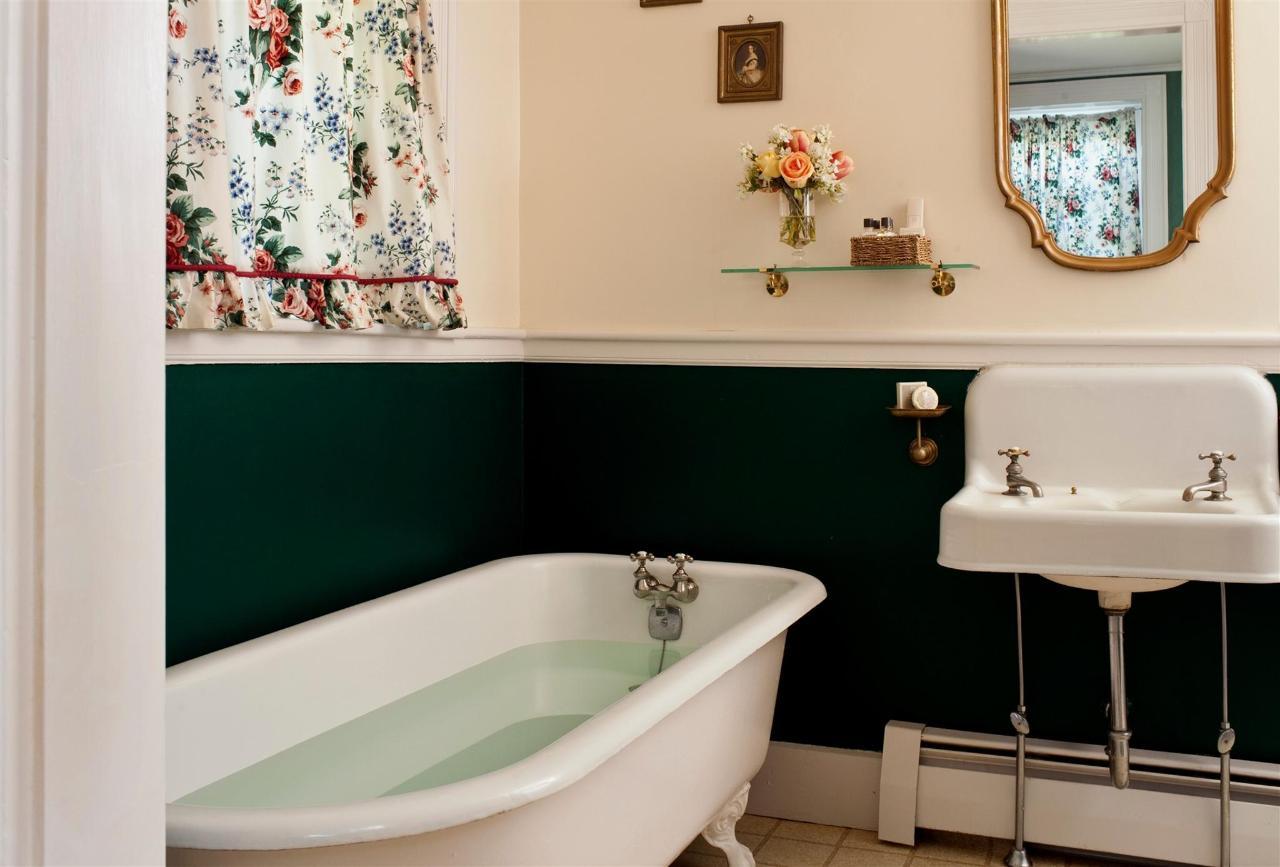 guestroom-sandringham-1-2684687511-o1.jpg.1920x0.jpg