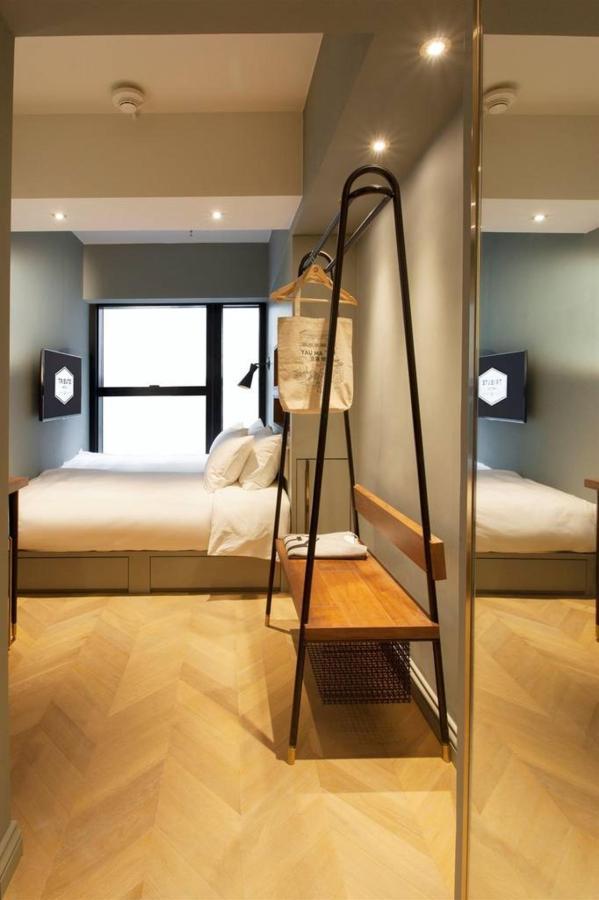 Small Room.jpg