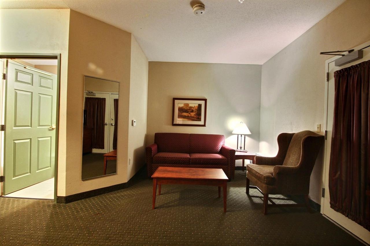 presidential_suite-3-1.jpg