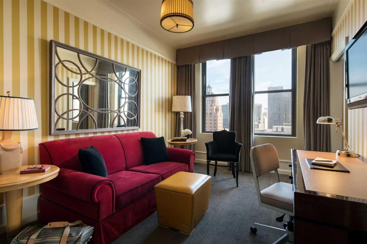 Penthouse Corner Suite Sitting Area