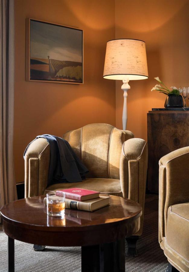 Penthouse Suite Details
