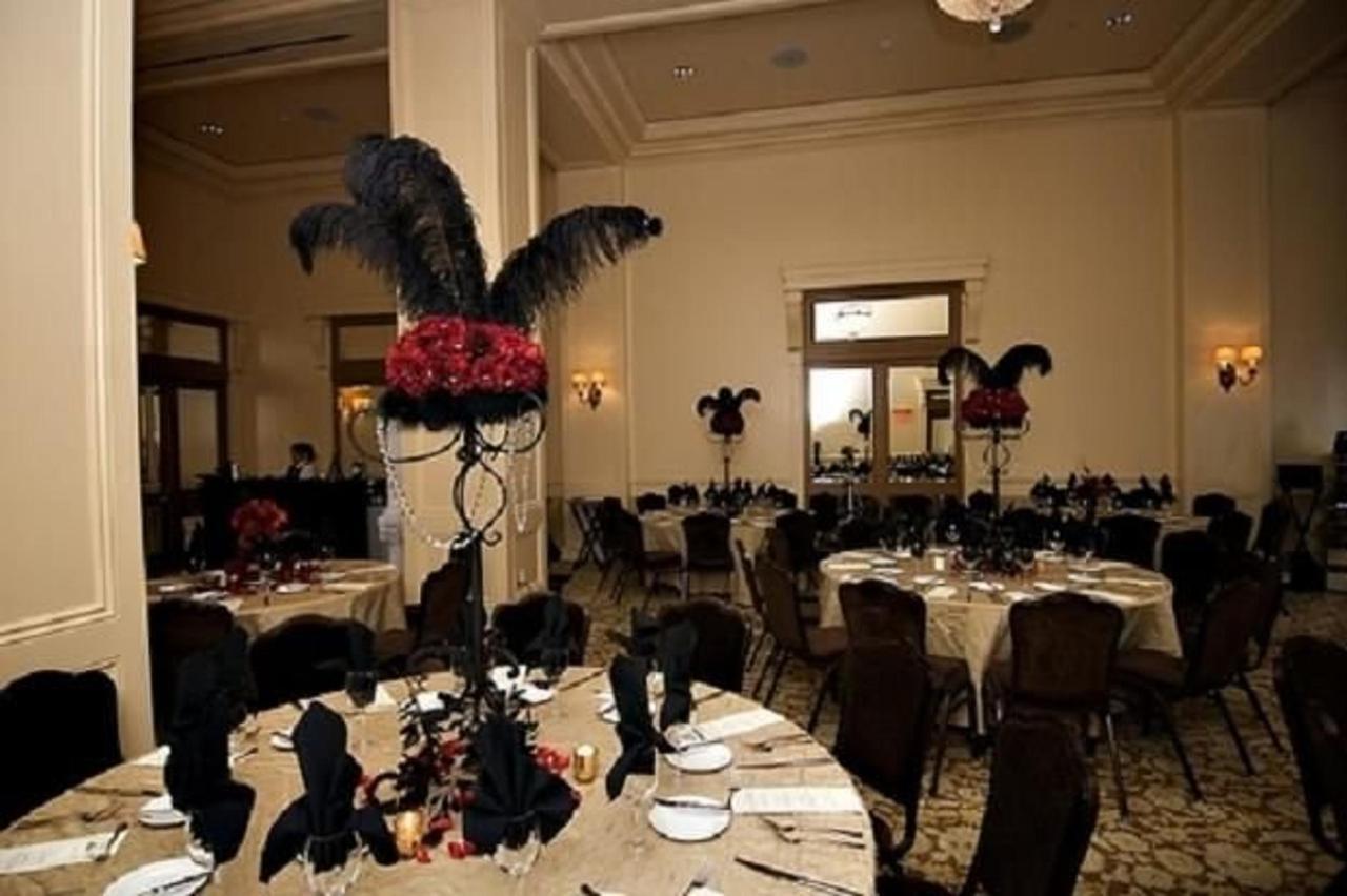 ballroom-dinner.JPG
