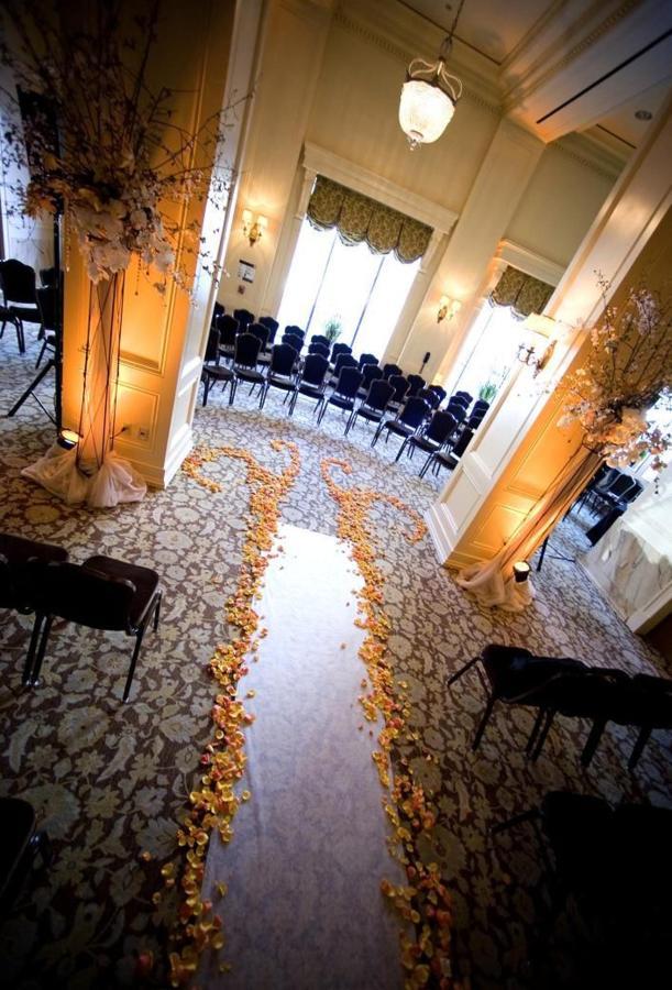 ballroom-ceremony-aisle.JPG