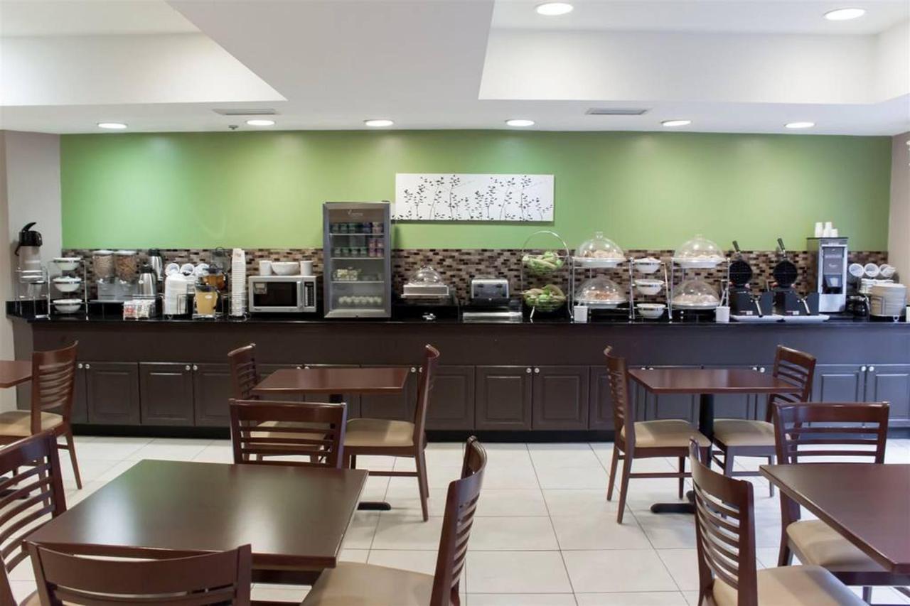 sc212-breakfast-area.jpg.1024x0.jpg