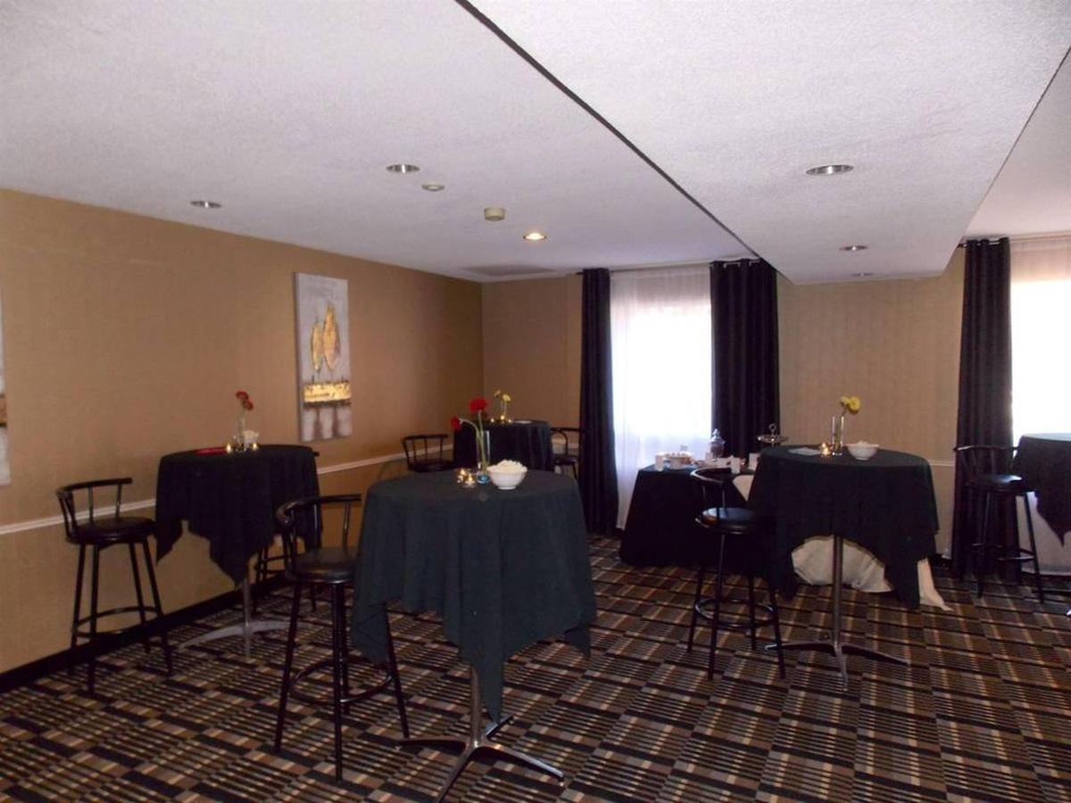 Cocktail Reception Set up 2.jpg