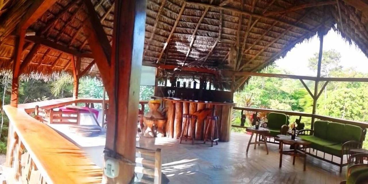 suchipakari-rainforest-hotel-jungle-lodge-ecuador-bar-restaurant-36.jpg.1080x540.jpg