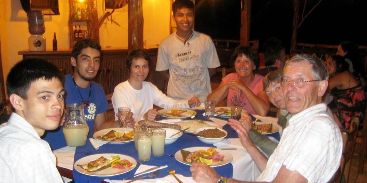 suchipakari-rainforest-hotel-jungle-lodge-ecuador-bar-restaurant-29.JPG.1080x540.JPG