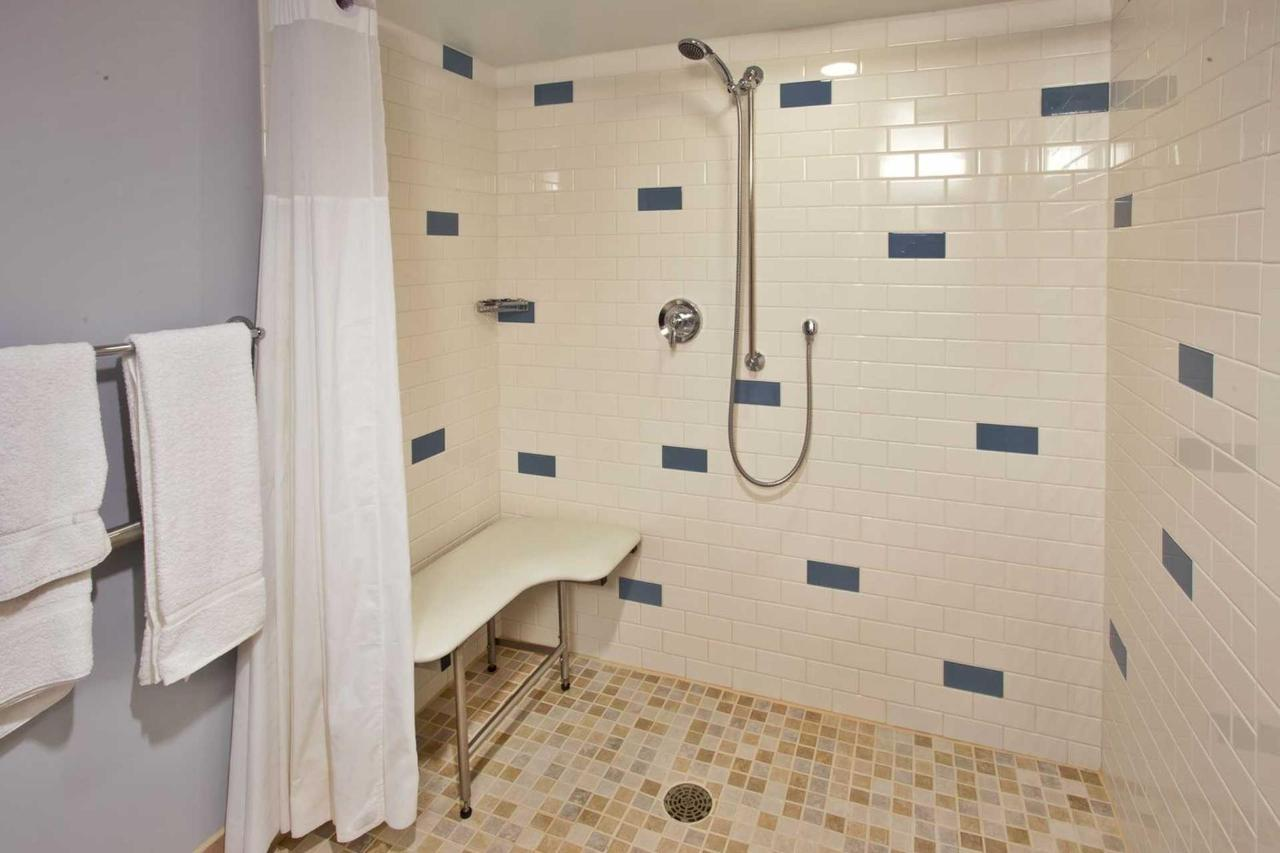 roll_in_shower-2.jpg.1920x0.jpg