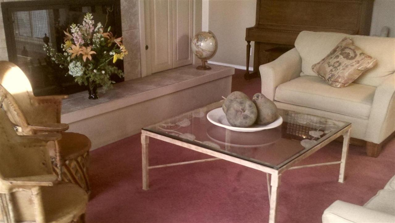 living-room-4.jpg.1024x0.jpg