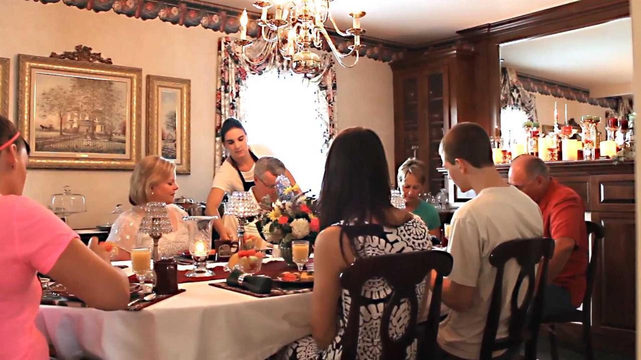 breakfast-full.jpg.1920x0 (1).jpg