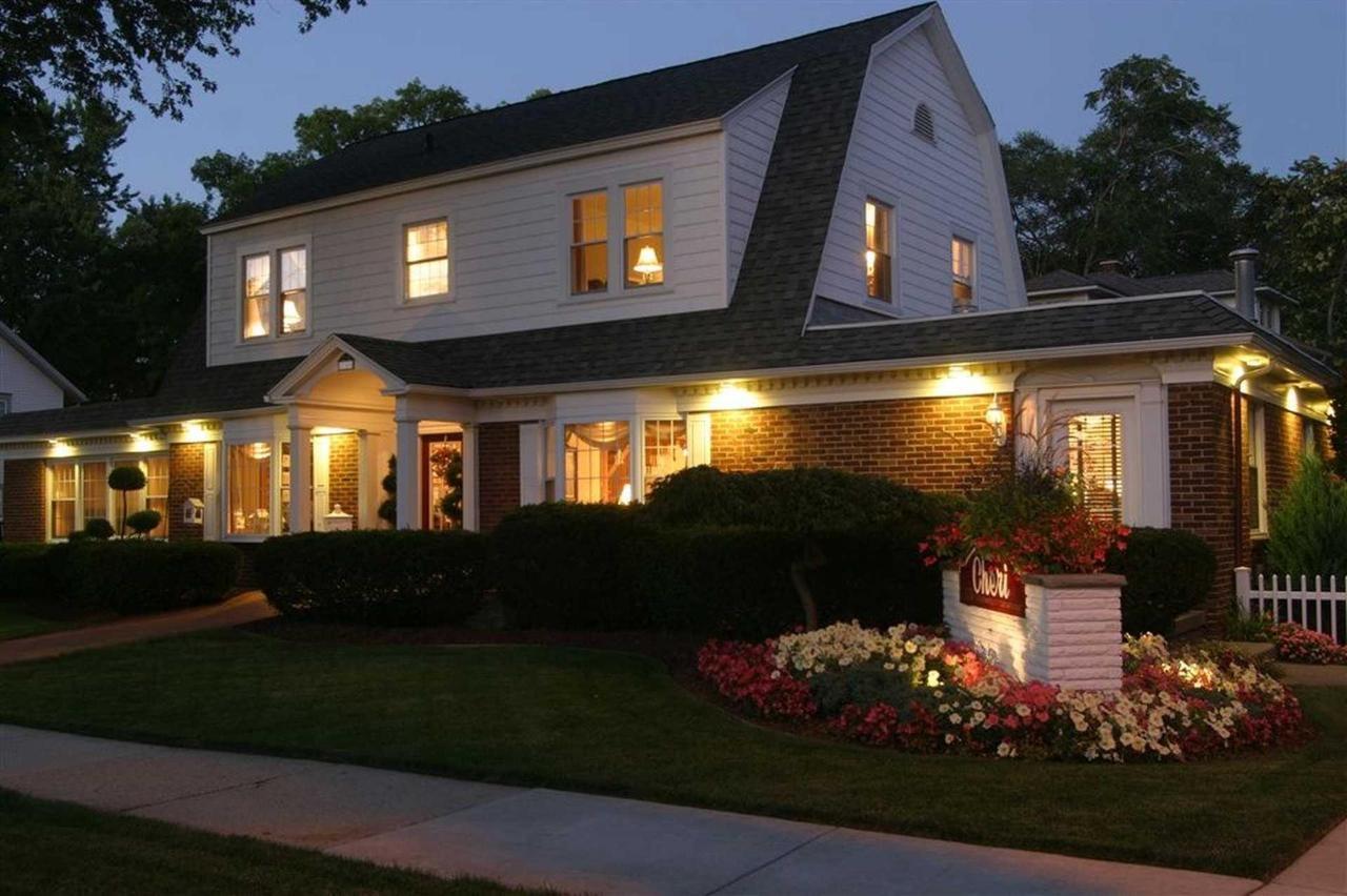 house-sign-at-night.JPG.1920x0.JPG