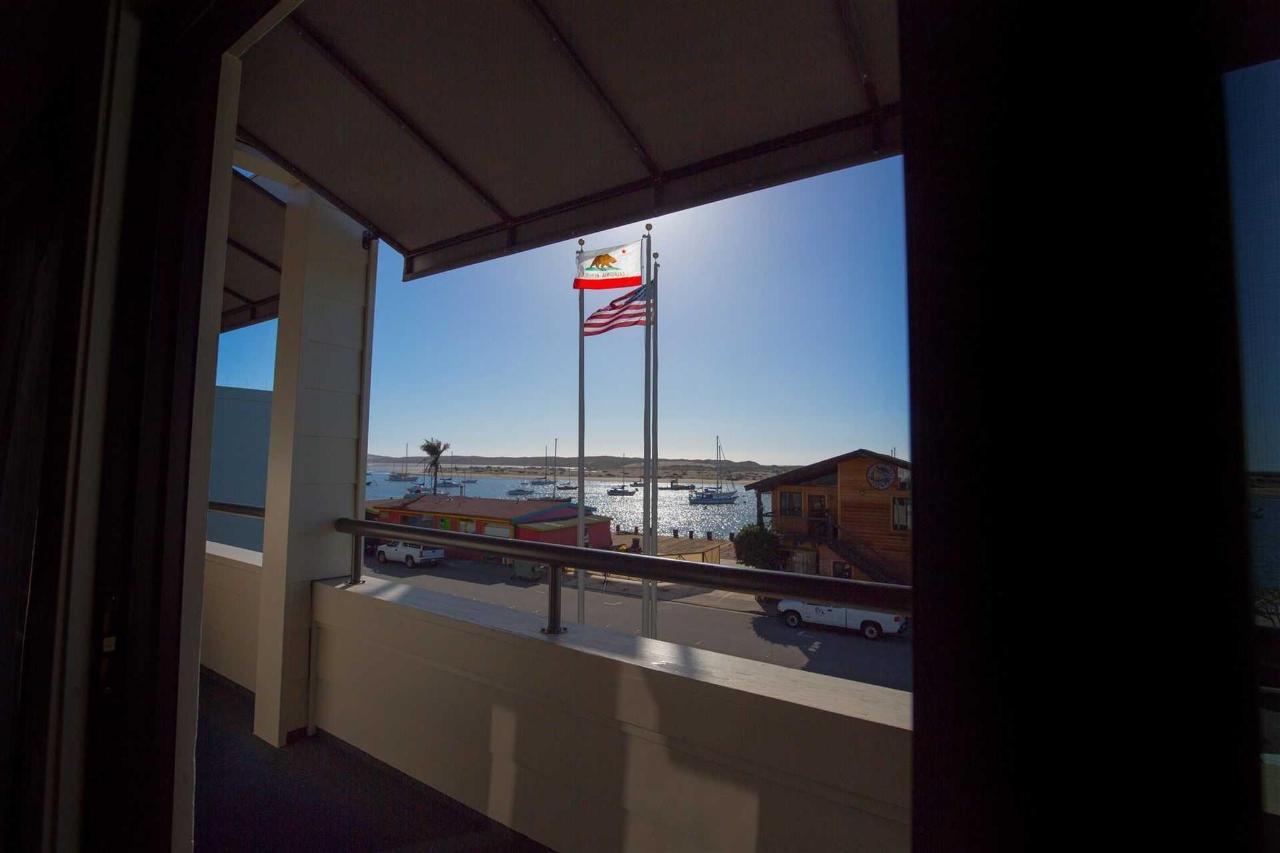 305-balcony.jpg.1920x0.jpg